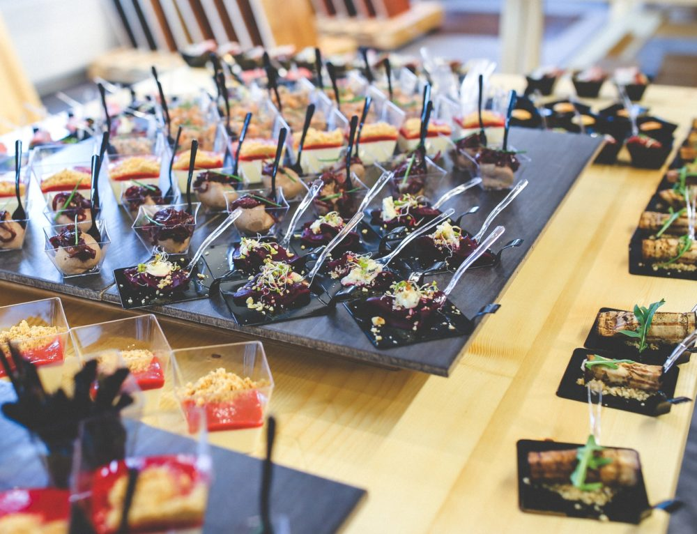 How to successfully cater business meetings